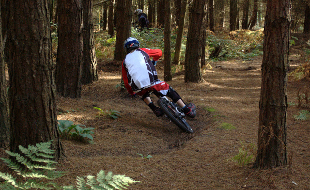 Getting low on one of the many turns on the switchback track